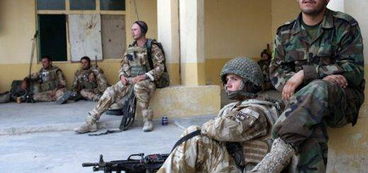 """British Paratroopers Conduct Operation """"Daor Bukhou"""" In Kandahar City"""